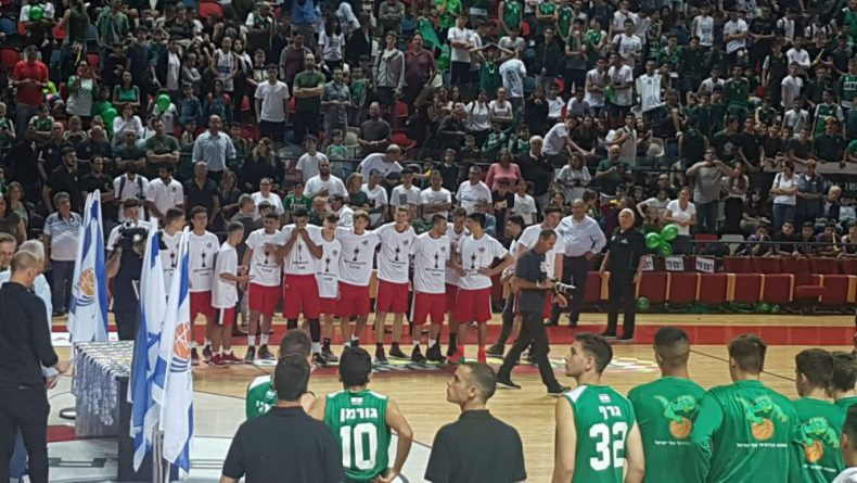 יואב שטרית מכיתה י'1,מקבוצת הפועל  ירושלים זכו בגביע המדינה לנערים בכדורסל